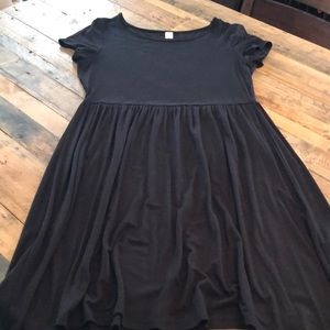 Old Navy black dress. Great condition!